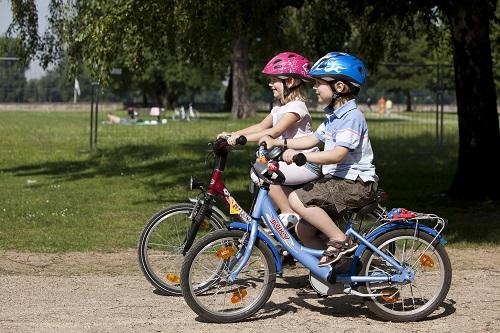 Deportes divertidos para practicar todos los niños ciclismo