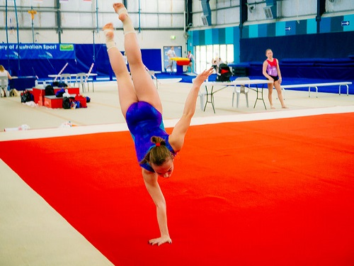 Gimnasia para practicar deportes con todos los niños