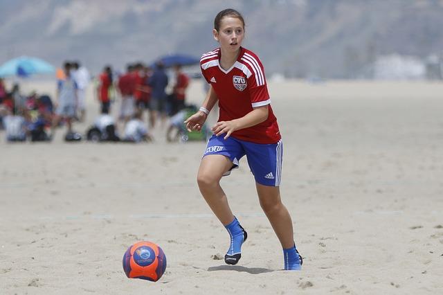 3 deportes para practicar en la playa y arena