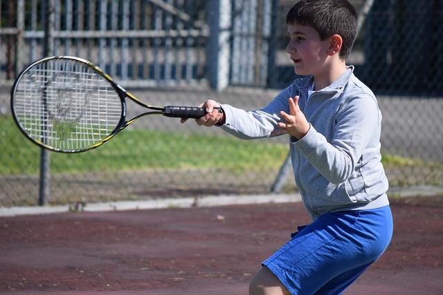 cursos-de-tenis-gratis-para-los-ninos