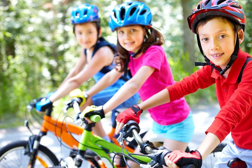 Cuanto ejercicio es recomendado para niños-bicicleta